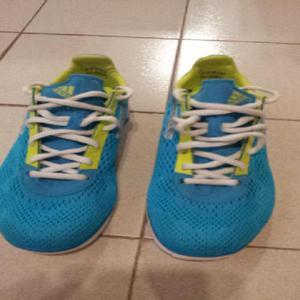 Zapatillas Adidas. Nº36,5. especial para competir. Nuevas.