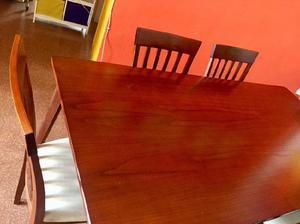Juego de mesa y sillas ¡como nuevo!