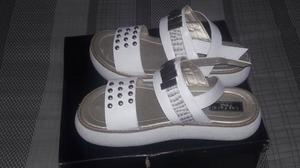 Vendo sandalias sin usó número 39