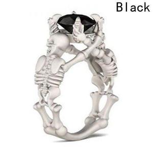 Hermoso Anillo Esqueletos Y Piedra Negra Acero
