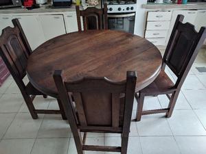 Juego de mesa y 4 sillas de algarrobo en perfecto estado!