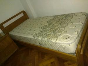 Cama de plaza y media con colchón