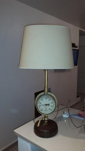 LAMPARA DE PIE CON RELOJ