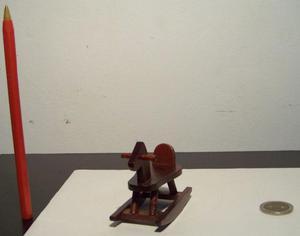 Caballito mecedora miniatura, escala 1:12, casa de muñecas