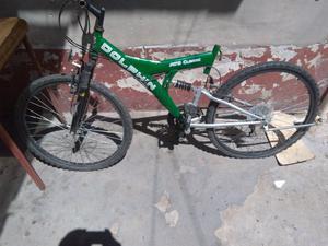Vendo bicicleta semi nueva solo le falta el aciento