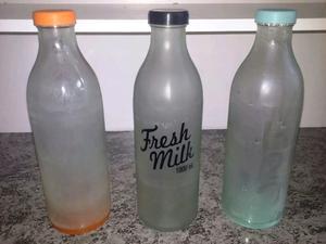 3 botellas de opalina con tapon de goma