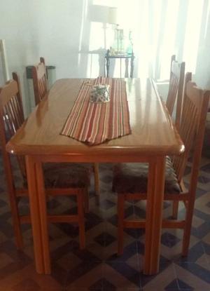 Mesa de Cedro extensible + 4 sillas tapizadas de panamina