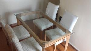 Mesa madera con vidrio + 4 sillas tapizadas