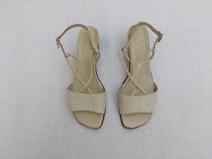 Sandalias con taco chino