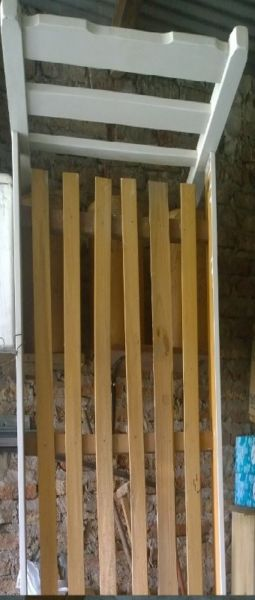 se vende cama pino