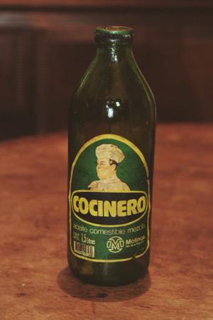 Lote de botellas antiguas de aceite de 1.5 litros