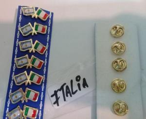 PINS BANDERA ARGENTINA CON ITALIA DE 2 CMS