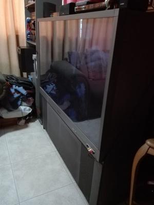TV RETROPROYECTOR 55 PULGADAS  y SILLON 3 CUERPOS