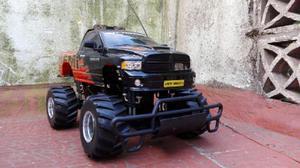 Camioneta 4x4 dodge ram 1500 a control remoto