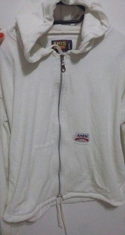 Camperita con capucha blanca talle L