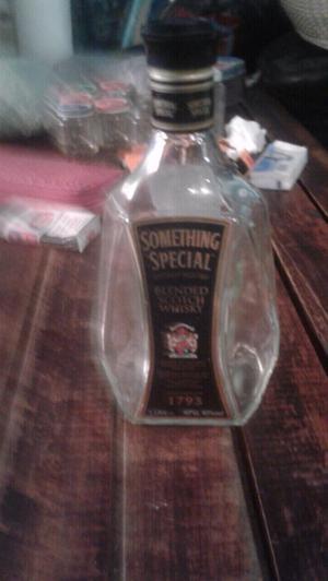 botella vacia de wisky para coleccion