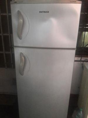 heladera con freezer patrick maxifresh matalic,(NO ENFRIA)