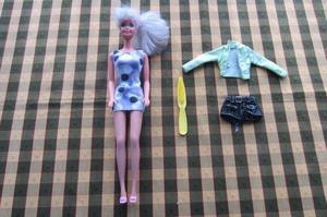 Barbie, original Mattel!!!, 1966!!!, China!!!, con vestido
