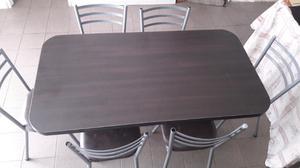 Mesa de comedor con seis sillas