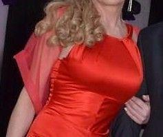 vestido de fiesta color rojo de Natalia Antolin, largo