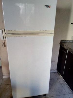 Heladera con freezer patrick fagor (usada)