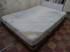 Vendo cama y colchón 2 1/2 plazas