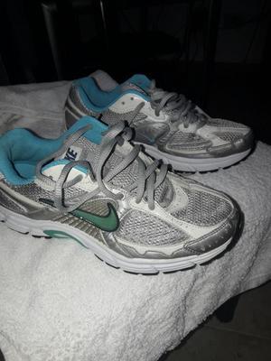 Zapatilla Nike Casi Nuevas 37
