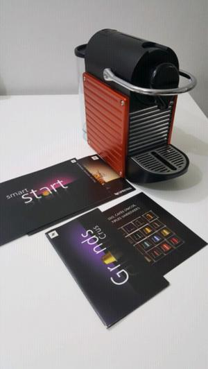 Cafetera nespresso pixie 19bar