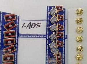 PINS BANDERA LAOS DOS MODELOS DE 2 CMS
