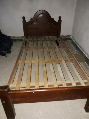 Vendo camas de Algarrobo lustradas