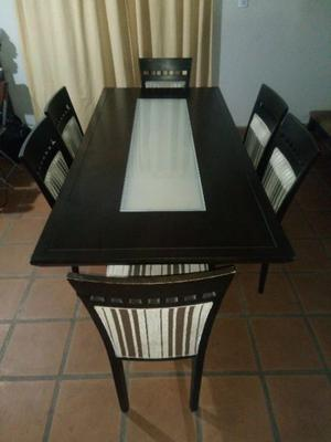 APROVECHA!! Juego de mesa y 6 sillas impecables