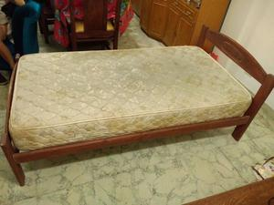 cama de una plaza y media con colchon