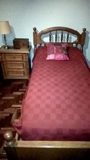 Liquido juego de dormitorio (cama de 1 plaza y mesa de luz)