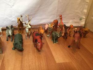 Muñecos De Animales De La Selva