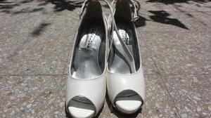 Zapatos Crema Talle 39 Un solo uso