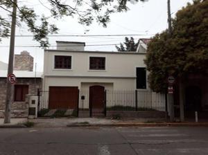 Casa en Venta 3 Dormitorios. B° Altos de V. Sarsfield.