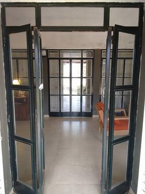 Puerta balcon de hierro angulo
