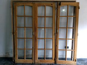 Puerta de madera con vidrio repartido, para interior