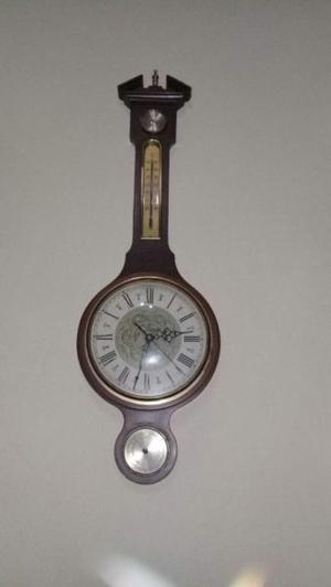 Reloj antiguo reliquia