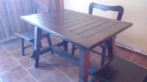 Juego de mesa y 4 sillas de madera antiguo