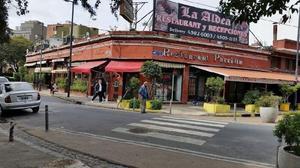Restaurante La Aldea necesita Camarera,bachero y ayudante de