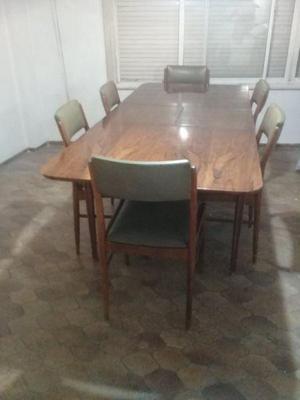 antigua mesa de nogal y 6 sillas y mueble comoda