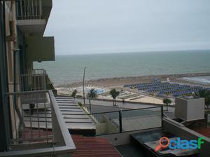 Departamento de 2 ambientes. Vista lateral al mar. Zona