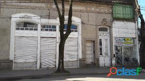 Venta de dos Locales y casa en pleno centro de Mercedes (B).