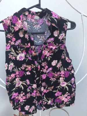 Camisa con estampado de flores talle 2