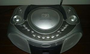 REPRODUCTOR DE CD CON RADIO AM/FM