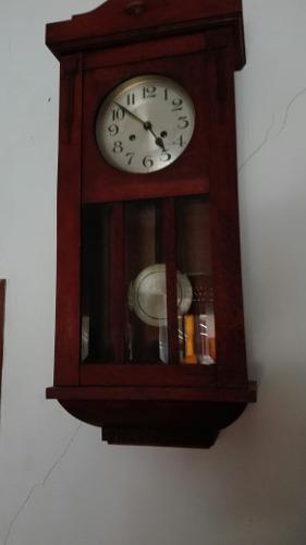 Antiguo Reloj Aleman A Pendulo, Funcionando