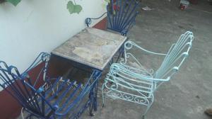 Juego de sillas y mesa para jardin