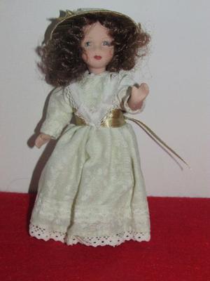 Muñeca de Porcelana.(R.10)