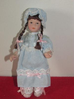 Muñeca de Porcelana.(R.39)